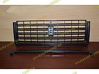 Решетка радиатора ваз 2107 черная 2107-8402104