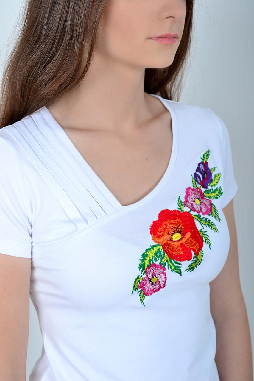 Белая футболка вышиванка