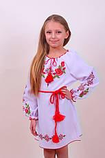 Вышитое платье для девочки с уникальным орнаментом на белом габардине, фото 2