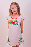 Вышитое платье для девочки с цветочным узором вышитое гладью