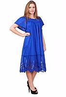 Платье свободного кроя с коротким широким рукавом