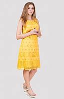 Яркое желтое платье без рукавов