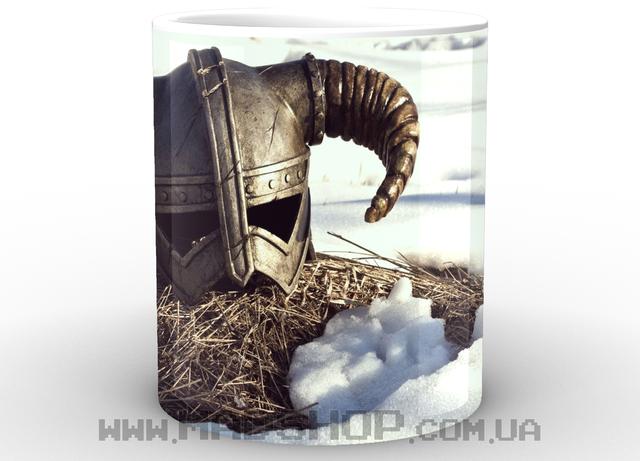 Кружка Скайрим  шлем