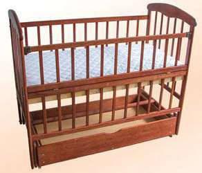 Кроватка детская Наталка с маятником + ящик  и откидным боком,  темная