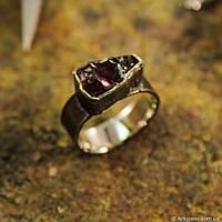 Кованое кольцо с родолитом