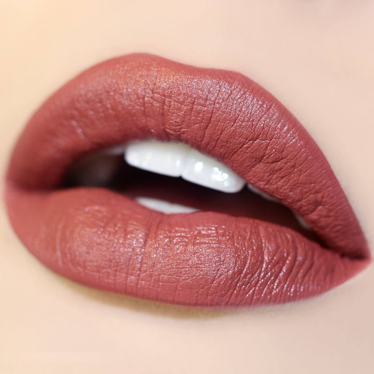 Сатиновая помада для губ ColourPop - Frick N' Frack