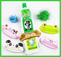 Детский выдавливатель-сквизер для зубной пасты и кремов