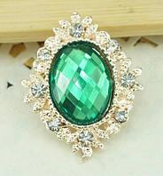 Камень в золотистой оправе со стразами 3 см, зеленый