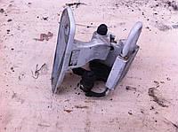 Петля задней двери правая нижняя VOLKSWAGEN TRANSPORTER T5 03-09 (ФОЛЬКСВАГЕН ТРАНСПОРТЕР Т5)