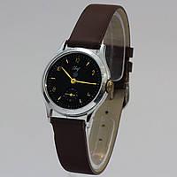 Винтажные советские часы Свет