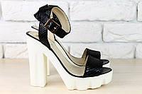 Черные босоножки на устойчивом каблуке, кожа