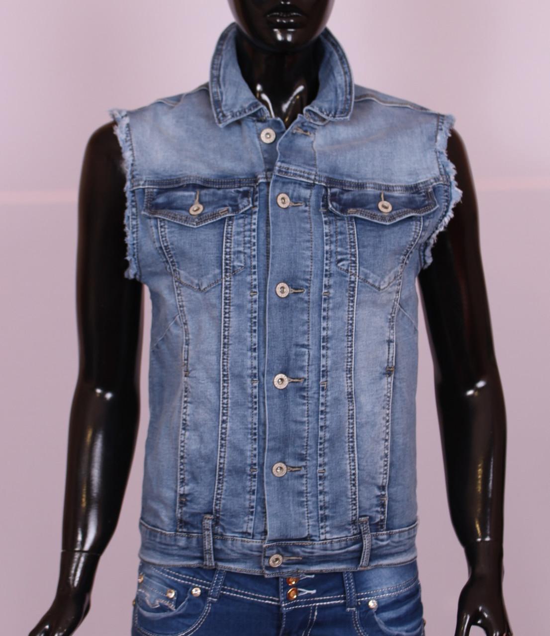 Женская джинсовая жилетка больших размеров