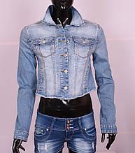 Женский укороченный джинсовый пиджак размер M.