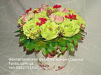 Салатовые розы с raffaello в кашпо№11