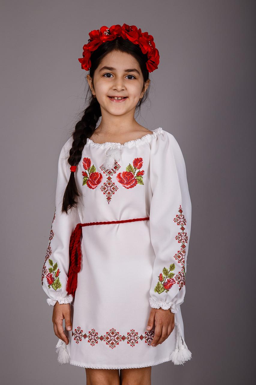 70e2e401ff5 Стильное вышитое платье для девочки с оригинальным узором