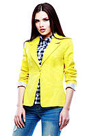 Модный женский жакет желтого цвета.