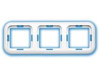 Рамка трёхместная скрытой установки 049