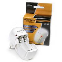 Зарядний пристрій для пальчивих акумуляторів АА/ААА ROBITON Uni 100 BL1