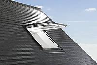 Мансардное окно Designo R8 с двумя осями поворота створки