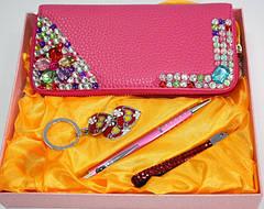 Подарочные наборы, ручки, копилки, сувениры
