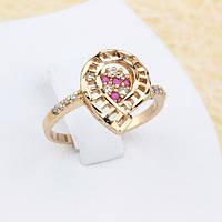 002-1203 - Резное кольцо с рубиновыми и прозрачными фианитами розовая позолота, 18 р.