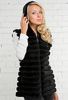 Жилет чёрного цвета из норки в роспуск с капюшоном 60 см