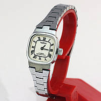 Механические женские часы Чайка
