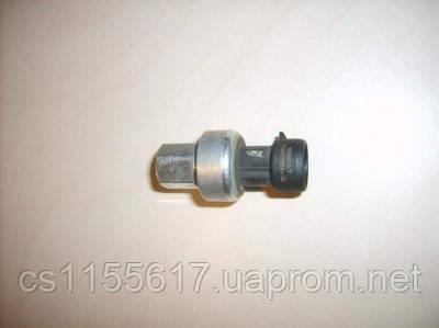 Датчик давления кондиционера  7700417506 б/у на Renault Master, Opel Movano, Nissan Interstar