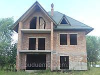 Будівництво цегляних будинків.