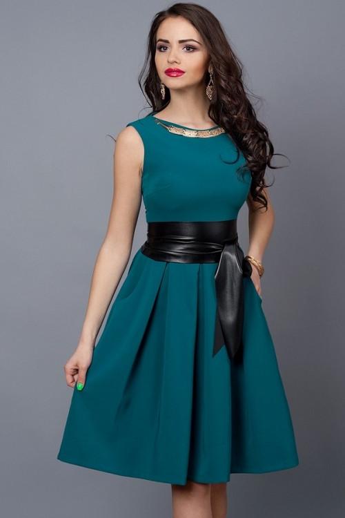 Красивое молодежное платье по колено с поясом, 44,46,48