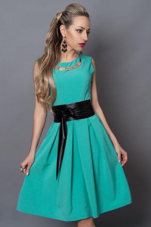 Красивое молодежное платье по колено с поясом, 42.44.46