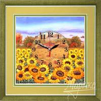 Часы. Желтое поле подсолнухов