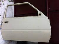 Дверь передняя правая голая Таврия ЗАЗ 1102 в среднем состоянии