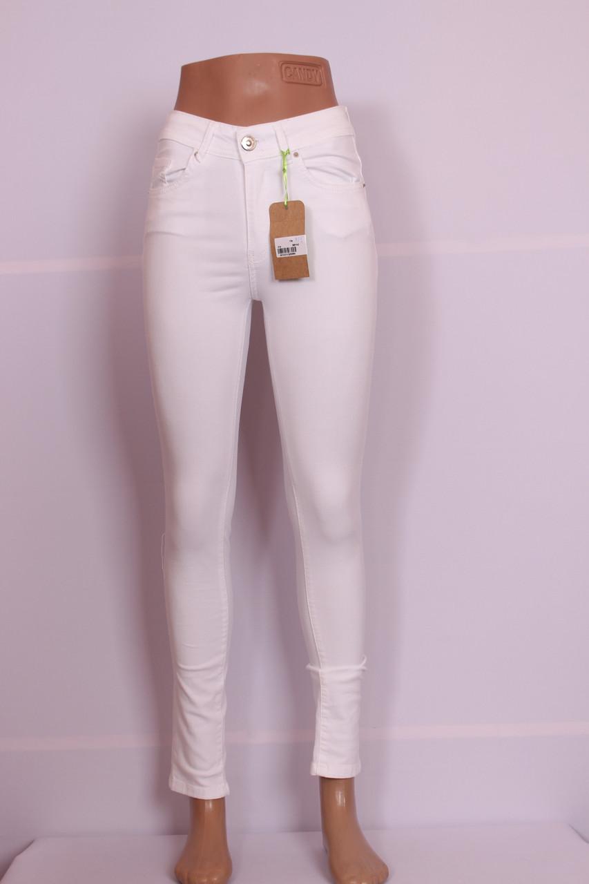 Женские  белые джинсы с высокой талией