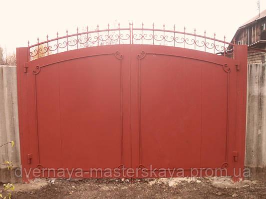 Ворота листовые с элементами ковки.