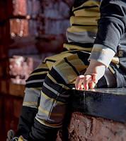 Костюм унисекс в полоску. Идеален для ношения в слинге. Размер 68-74, 74-80 см.