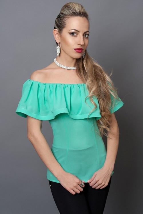 Молодежная бирюзовая блуза с пуговицами на спине