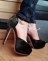 Женские модельные босоножки Giuseppe Zanotti на каблуке с камнями. Витрина. ЮГ1261