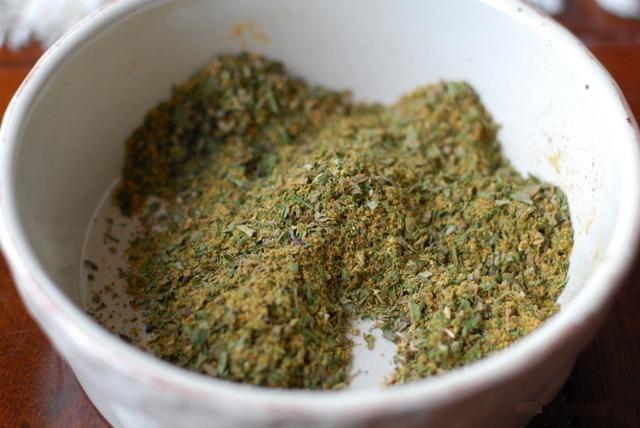 Хмелі-сунелі приправи спеції прянощі для приготування кухні ресторану
