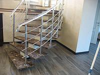 Лестница из металла облицована мрамором