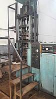 Прессавтомат для прессования деталей из металлического порошка прессовой силой 630 кN типа ПА 630 А