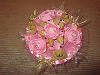 Букет из 3х коричневых мишек и роз с конфетами Raffaello