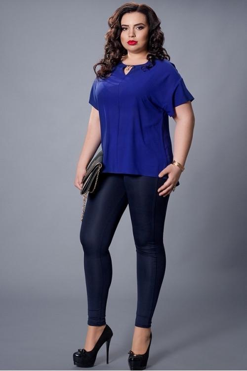 Однотонная синяя шифоновая блузка большой размер