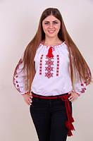 Стильная женская вышиванка в красной гамме.