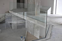 Стеклянные ограждения на алюминиевом профиле