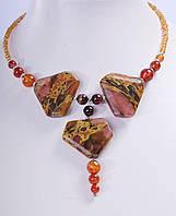 Ожерелье с оранжевыми бусинами