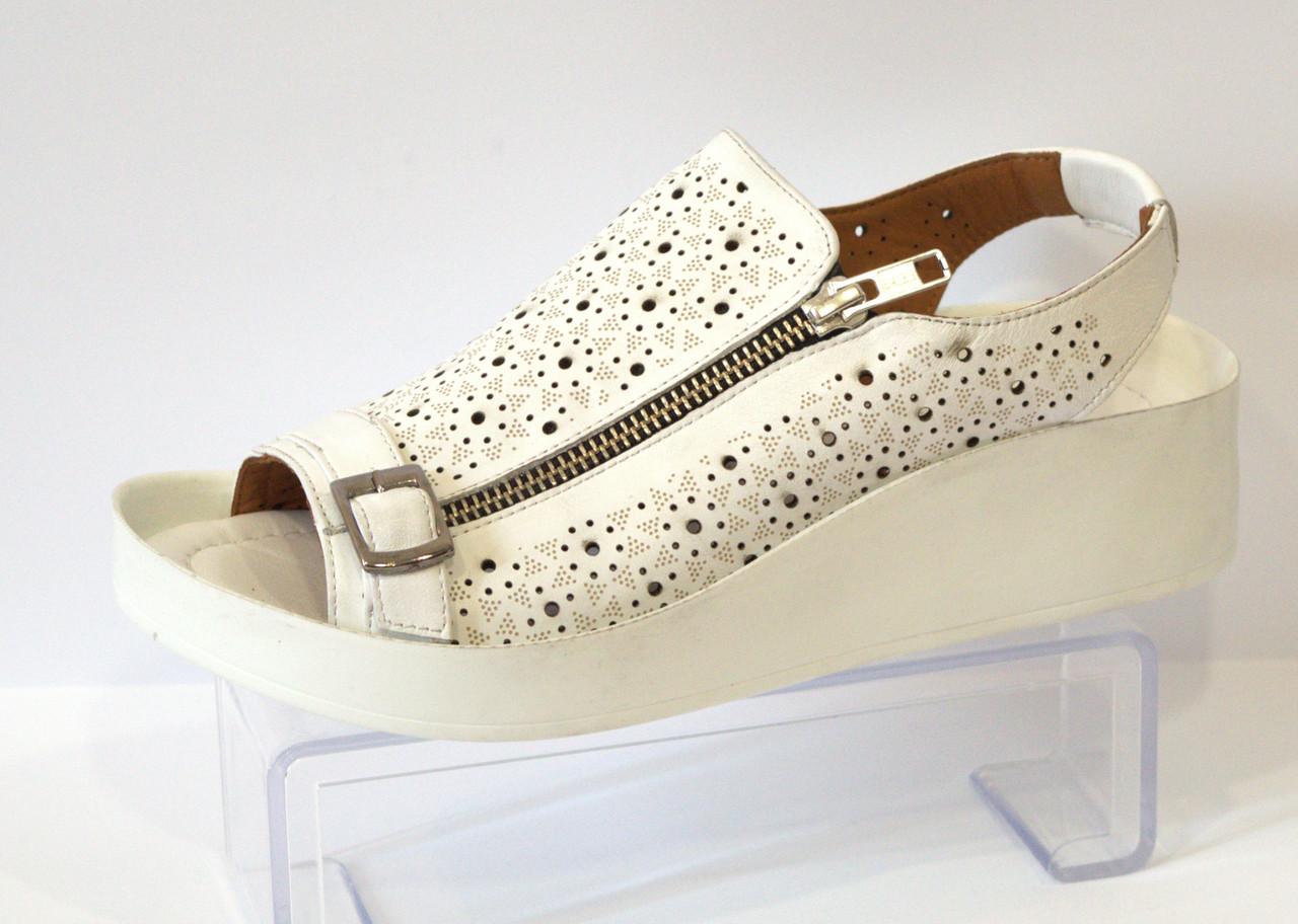 Босоножки женские белые Donna Ricco 901