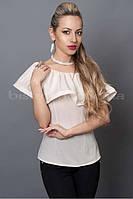Нарядная белая блуза с вырезом лодочка