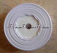 Лента атласная цвет №15(01) (белый) шириной 2,5 см