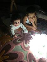 Нет красивее фотографий, чем фото с красивым ночником и милыми детками-конфетками
